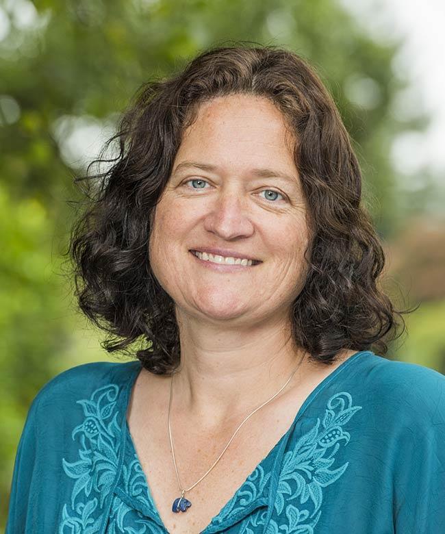 Dr. Jenn Capps